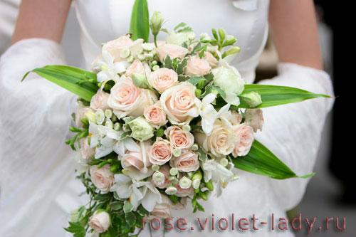 Цветочные букеты на свадебное торжество